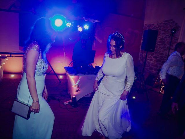 La boda de María y Luis Alberto en Villar De Los Alamos, Salamanca 187