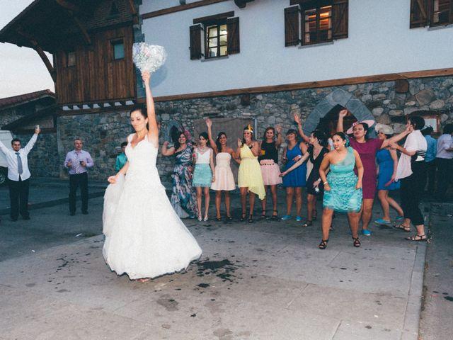 La boda de Julen y Angela en Dima, Vizcaya 38