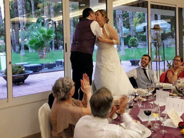 La boda de Miguel y Natàlia en Sant Vicenç De Montalt, Barcelona 13