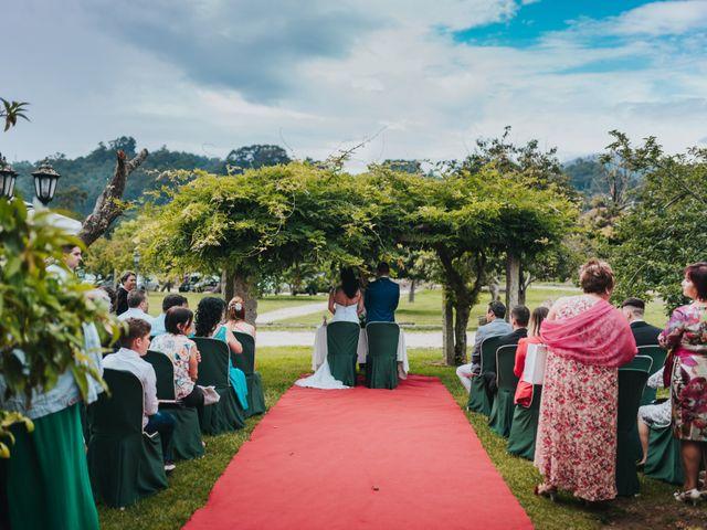 La boda de Marcos y Laura en Vigo, Pontevedra 25