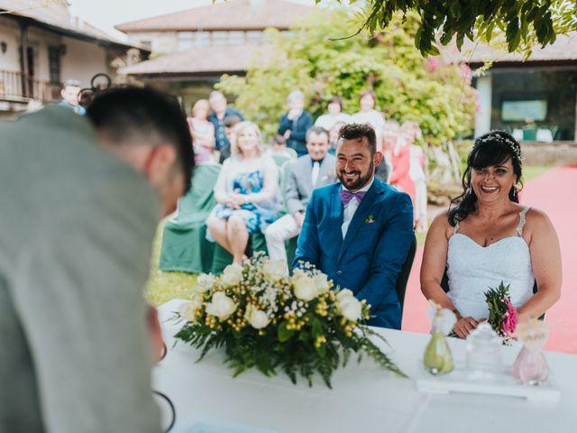 La boda de Marcos y Laura en Vigo, Pontevedra 30