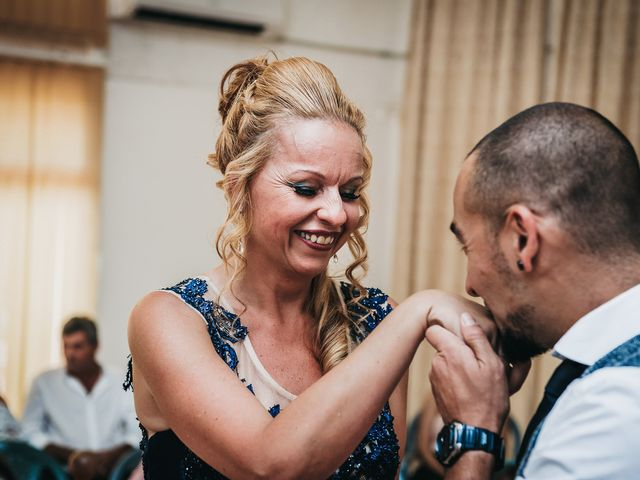 La boda de Desy y Carlos en Vecindario, Las Palmas 24