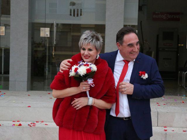 La boda de Paco y Rosa en Castelló/castellón De La Plana, Castellón 2