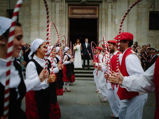 La boda de Ben y Maibe en Berango, Vizcaya 25
