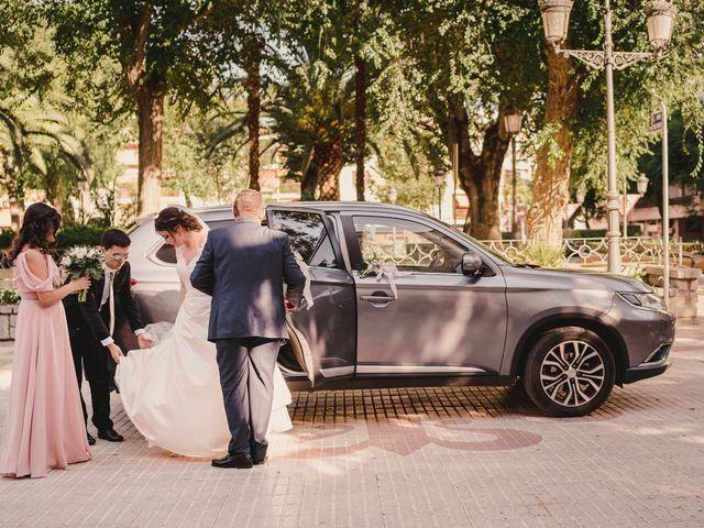 La boda de Servando y Teresa en Caracuel De Calatrava, Ciudad Real 52