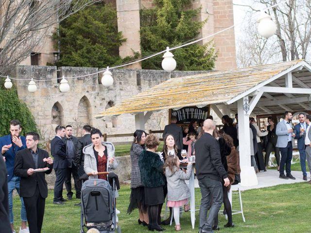 La boda de Jorge y Oiane en Santa Gadea Del Cid, Burgos 25