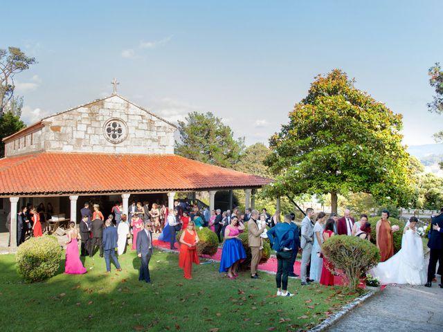 La boda de Álvaro y Raquel en Baiona, Pontevedra 22
