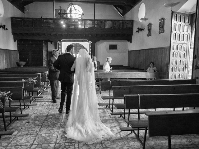 La boda de Jonathan y Ainhoa en Mombeltran, Ávila 32