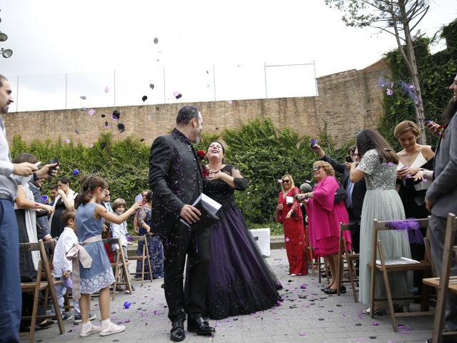 La boda de Maite y Bernat en Molins De Rei, Barcelona 1