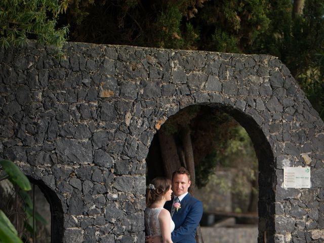 La boda de Cristian y Aniuska en La Victoria De Acentejo, Santa Cruz de Tenerife 14