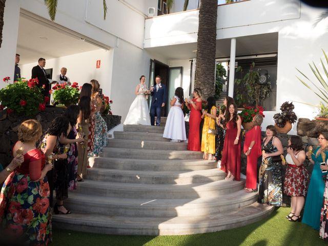 La boda de Cristian y Aniuska en La Victoria De Acentejo, Santa Cruz de Tenerife 24