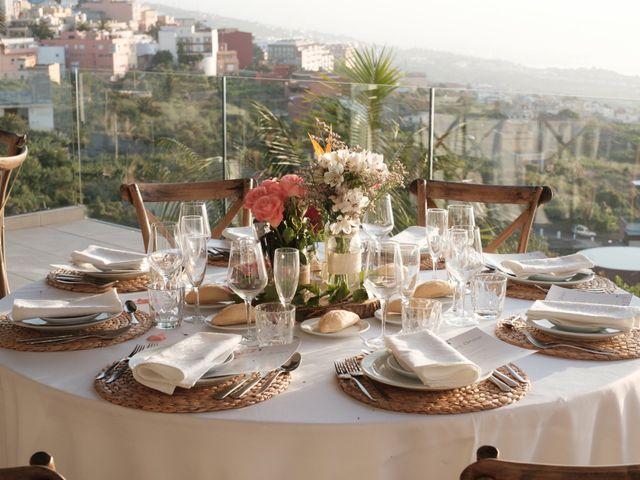 La boda de Cristian y Aniuska en La Victoria De Acentejo, Santa Cruz de Tenerife 27