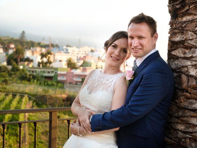 La boda de Cristian y Aniuska en La Victoria De Acentejo, Santa Cruz de Tenerife 34