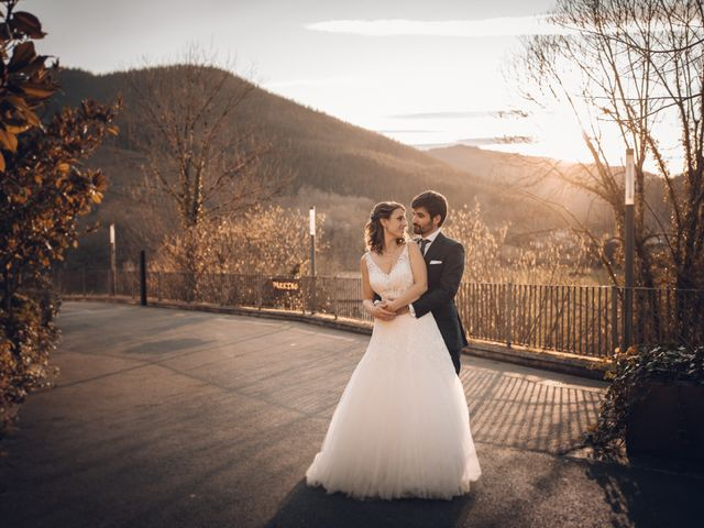 La boda de Jon y Iratxe en Gordexola, Vizcaya 69