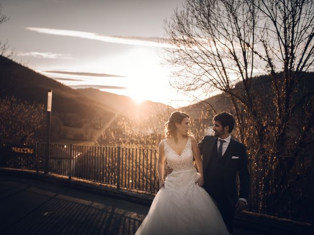 La boda de Jon y Iratxe en Gordexola, Vizcaya 74