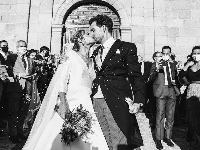 La boda de Alberto y Lucinda en San Lorenzo De El Escorial, Madrid 1