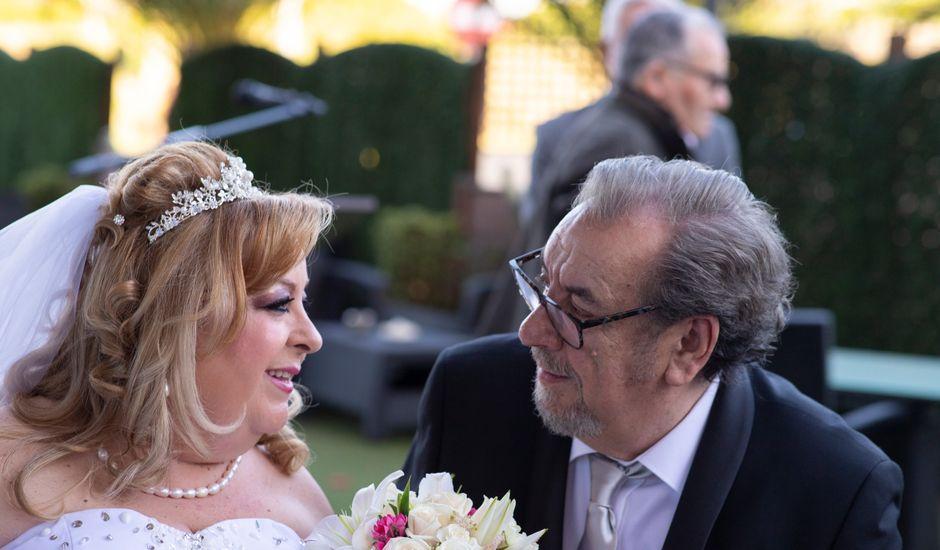 La boda de Amable y María en Pinto, Madrid