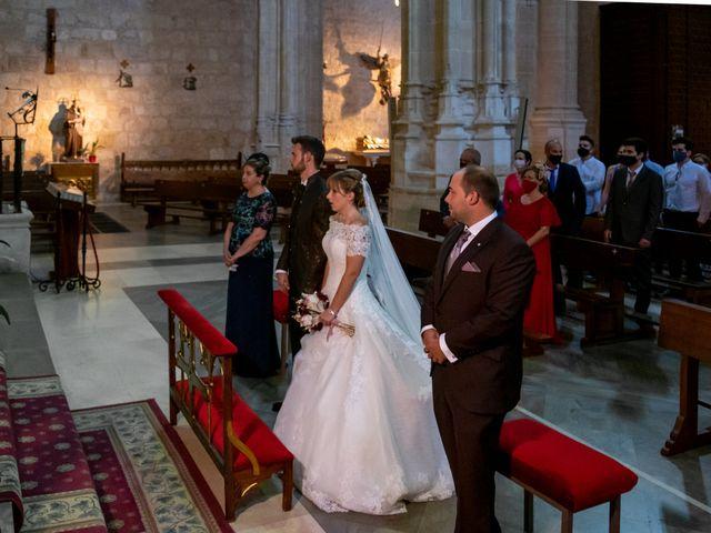 La boda de juan carlos y cari carmen en Villarrobledo, Albacete 12