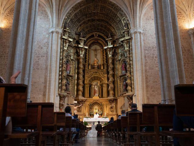 La boda de juan carlos y cari carmen en Villarrobledo, Albacete 1