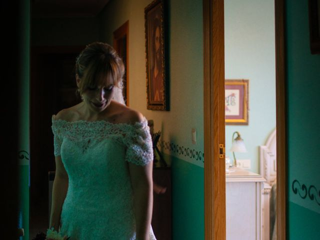 La boda de juan carlos y cari carmen en Villarrobledo, Albacete 14