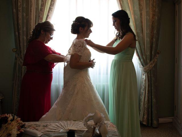 La boda de juan carlos y cari carmen en Villarrobledo, Albacete 18