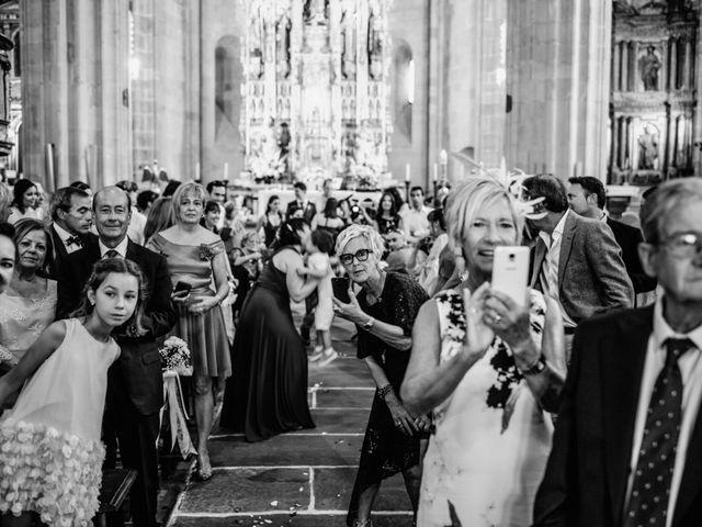 La boda de David y María en Hondarribia, Guipúzcoa 13