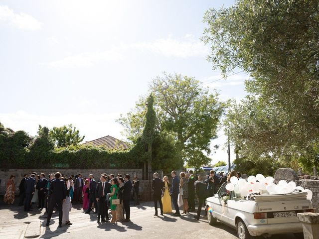 La boda de Juan y Begoña en Nigran, Pontevedra 4
