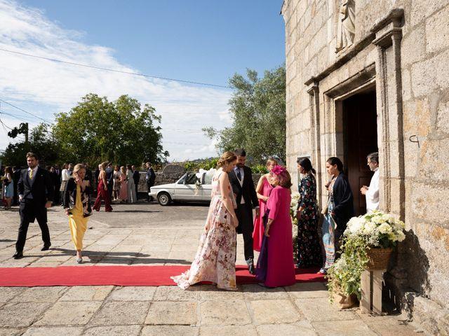 La boda de Juan y Begoña en Nigran, Pontevedra 6