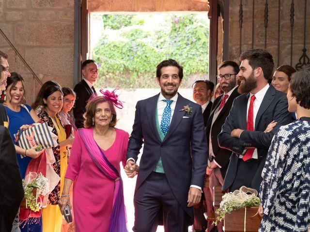 La boda de Juan y Begoña en Nigran, Pontevedra 10