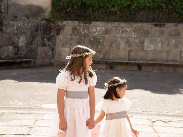 La boda de Juan y Begoña en Nigran, Pontevedra 11