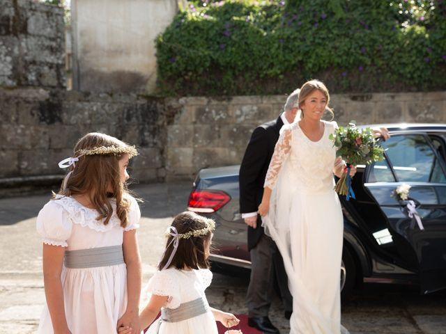 La boda de Juan y Begoña en Nigran, Pontevedra 14
