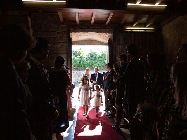 La boda de Juan y Begoña en Nigran, Pontevedra 15