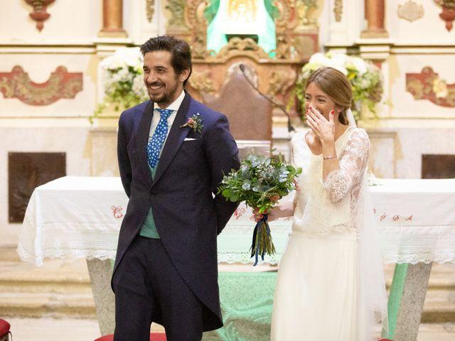 La boda de Juan y Begoña en Nigran, Pontevedra 18