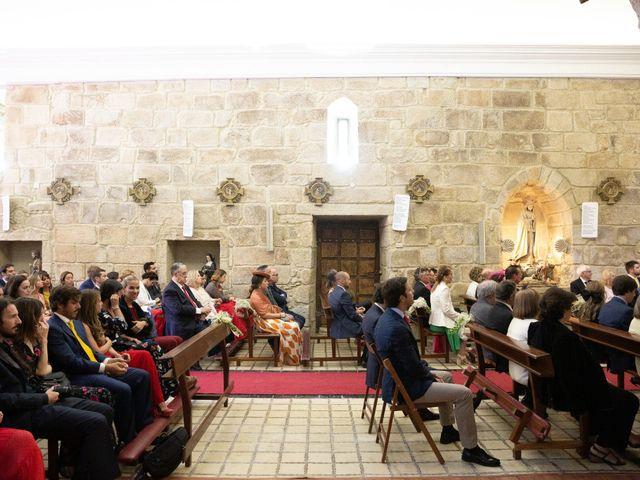 La boda de Juan y Begoña en Nigran, Pontevedra 19