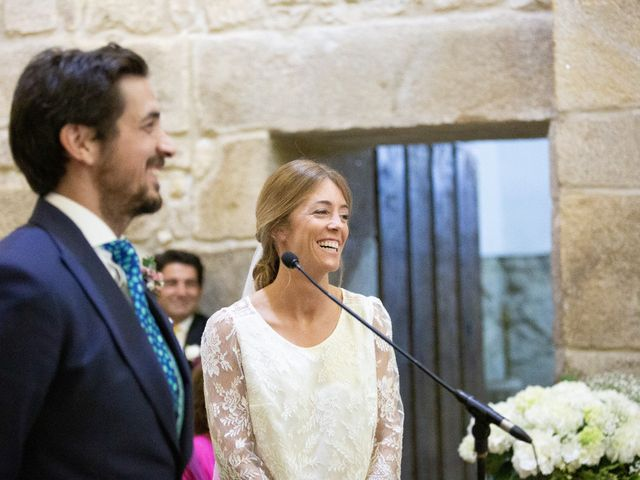 La boda de Juan y Begoña en Nigran, Pontevedra 20