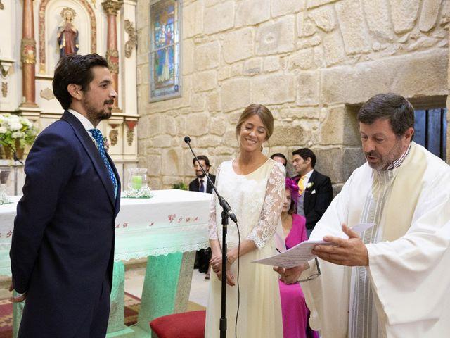 La boda de Juan y Begoña en Nigran, Pontevedra 21