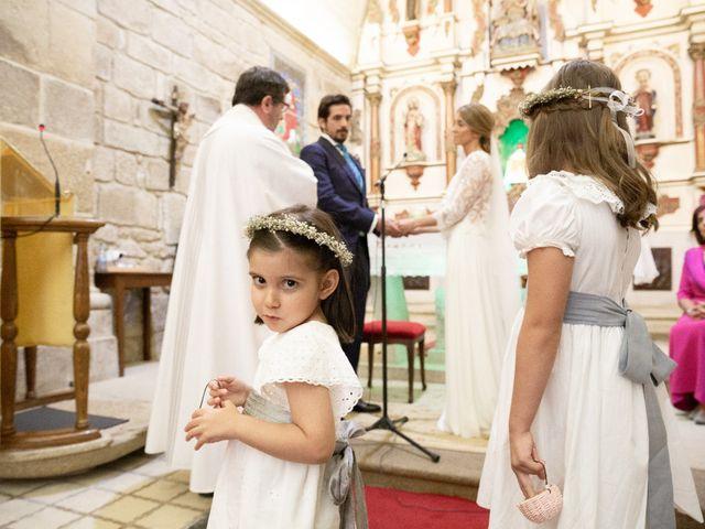 La boda de Juan y Begoña en Nigran, Pontevedra 23