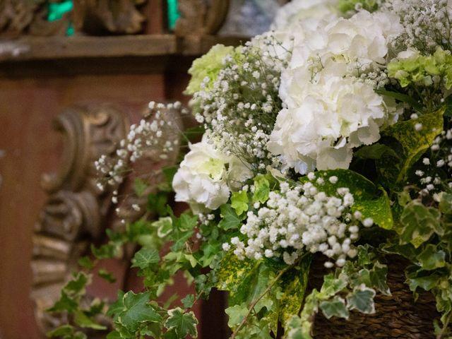 La boda de Juan y Begoña en Nigran, Pontevedra 25