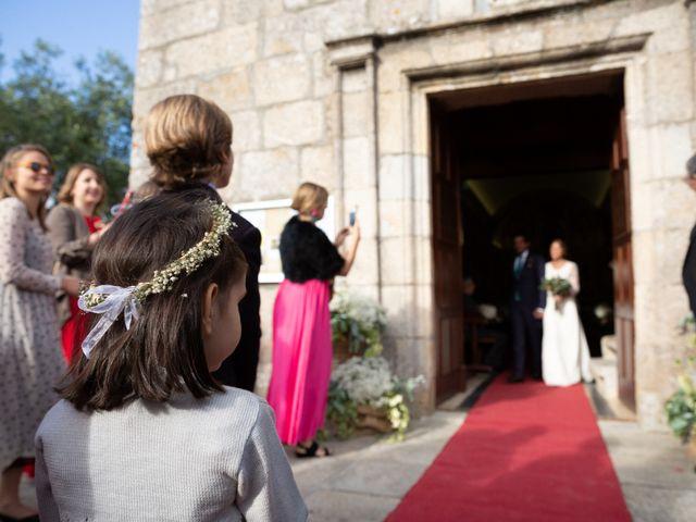 La boda de Juan y Begoña en Nigran, Pontevedra 26