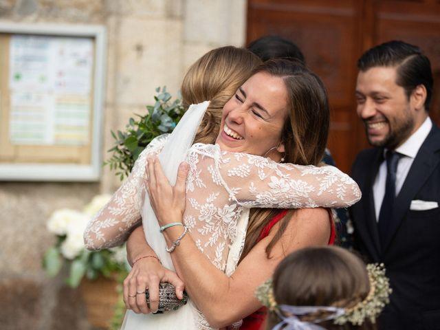 La boda de Juan y Begoña en Nigran, Pontevedra 32