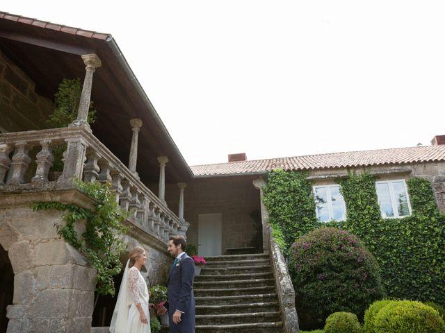La boda de Juan y Begoña en Nigran, Pontevedra 38