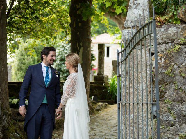 La boda de Juan y Begoña en Nigran, Pontevedra 40