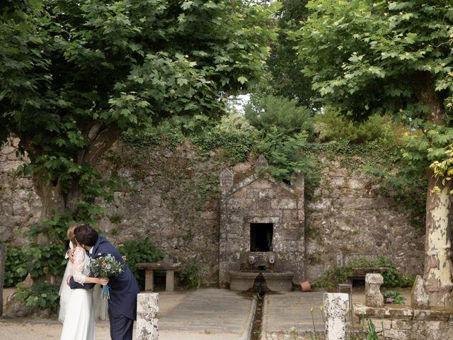 La boda de Juan y Begoña en Nigran, Pontevedra 44