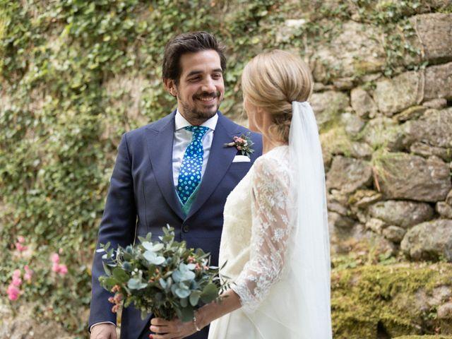 La boda de Juan y Begoña en Nigran, Pontevedra 52