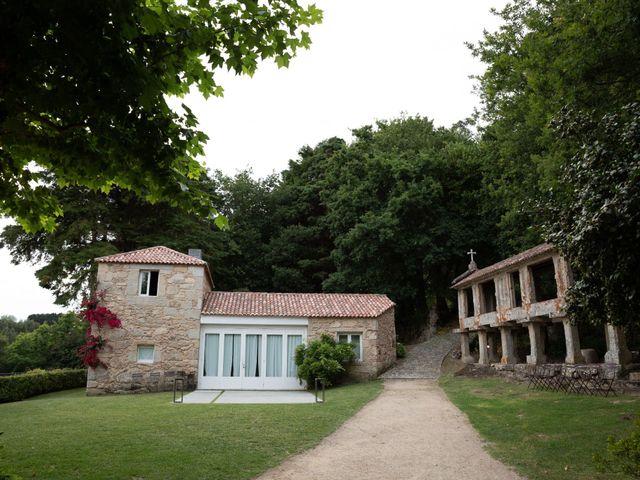 La boda de Juan y Begoña en Nigran, Pontevedra 57