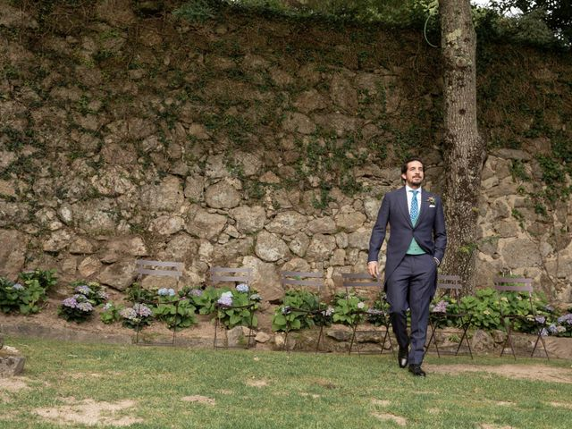La boda de Juan y Begoña en Nigran, Pontevedra 59