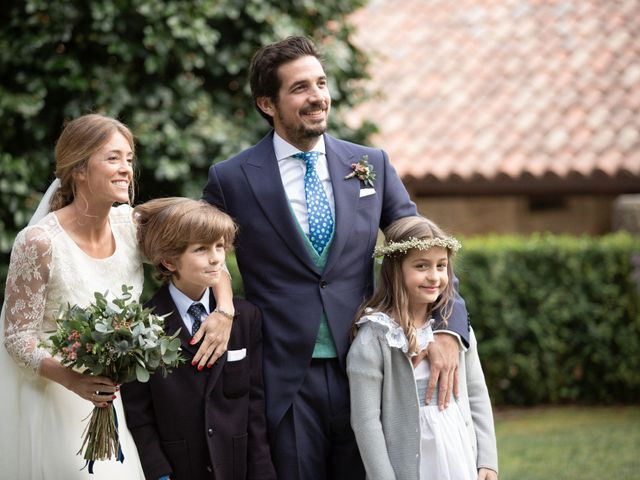La boda de Juan y Begoña en Nigran, Pontevedra 60