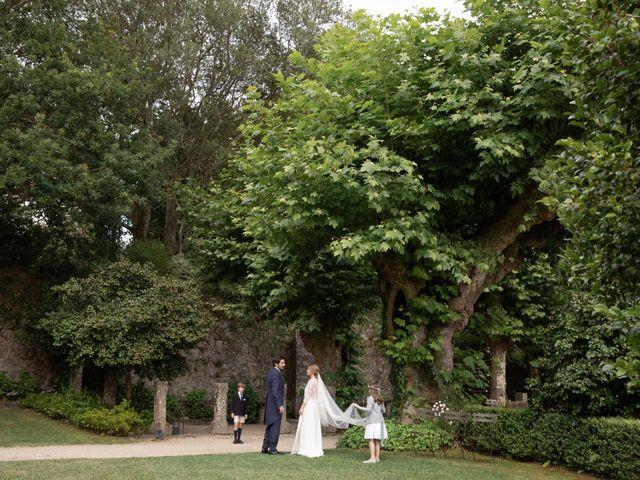 La boda de Juan y Begoña en Nigran, Pontevedra 67
