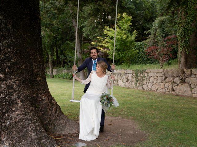 La boda de Juan y Begoña en Nigran, Pontevedra 71