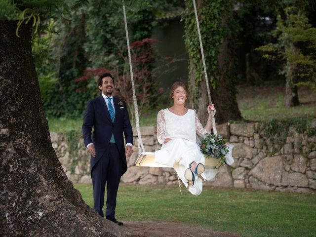 La boda de Juan y Begoña en Nigran, Pontevedra 73